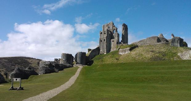 Corfe-Castle-4
