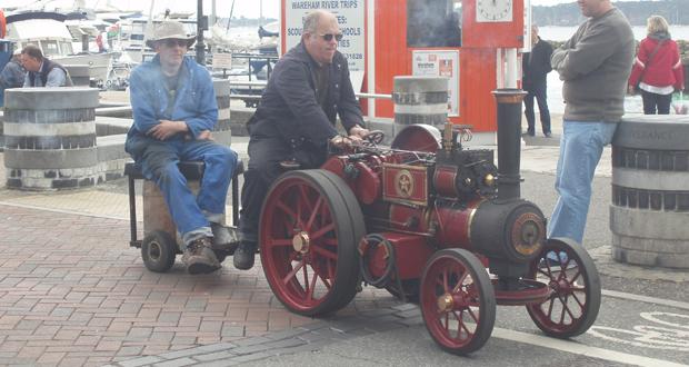 Mini-Steam-on-the-Quay-1