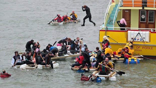 Bath-Tub-Race
