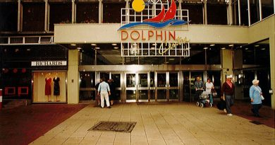 1996 Dolphin Shopping Centre