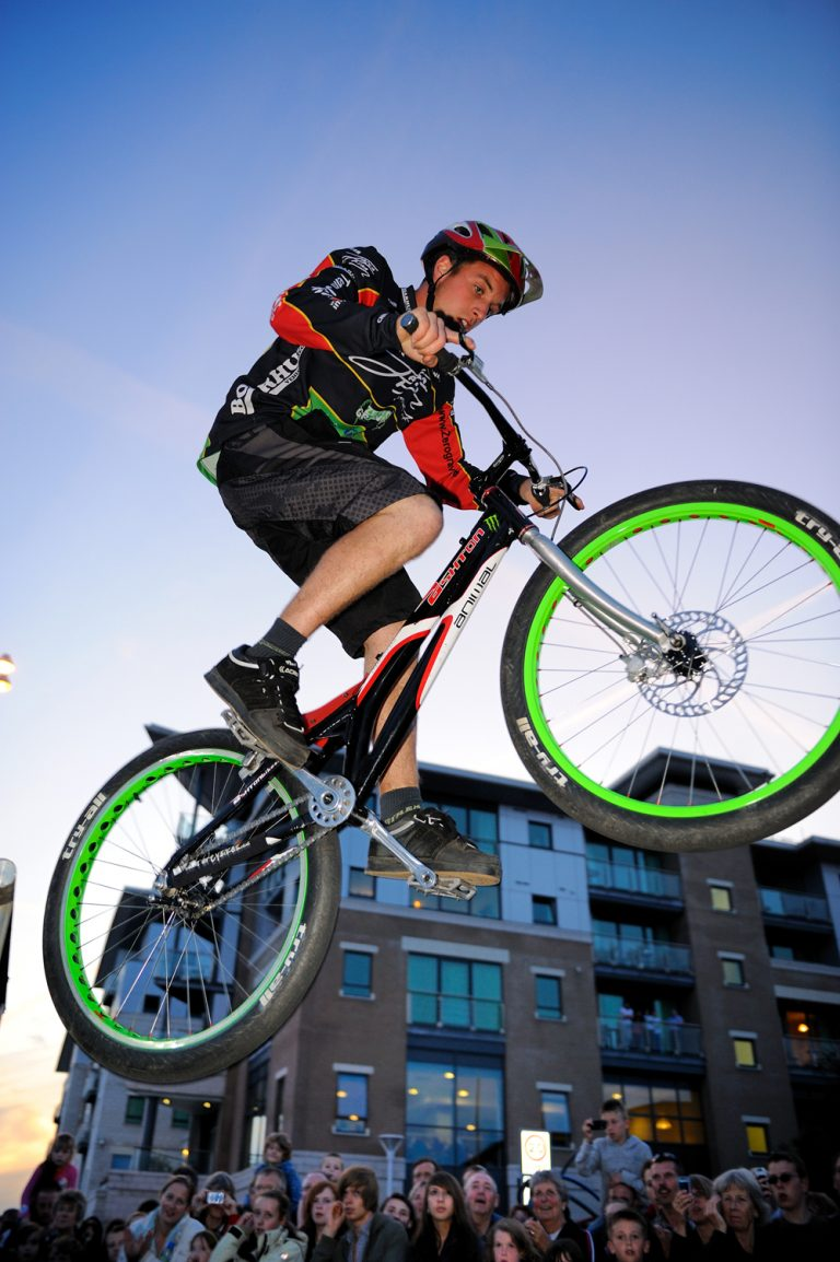 Reefoto action bikes 768x1154