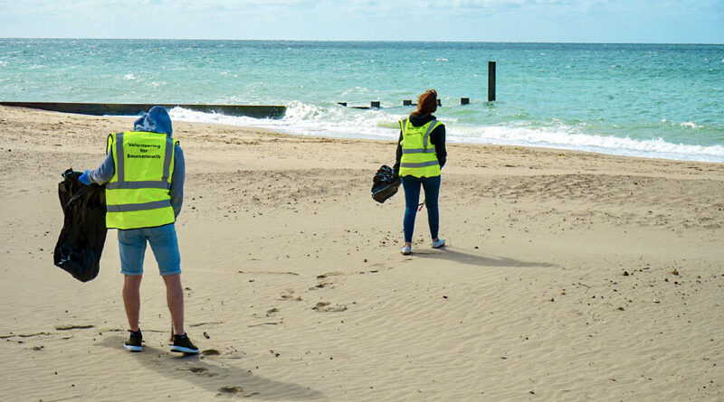 beach litter pick